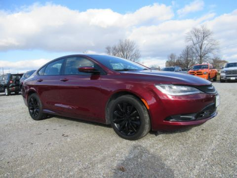 Pre-Owned 2015 Chrysler 200 S w/Nav